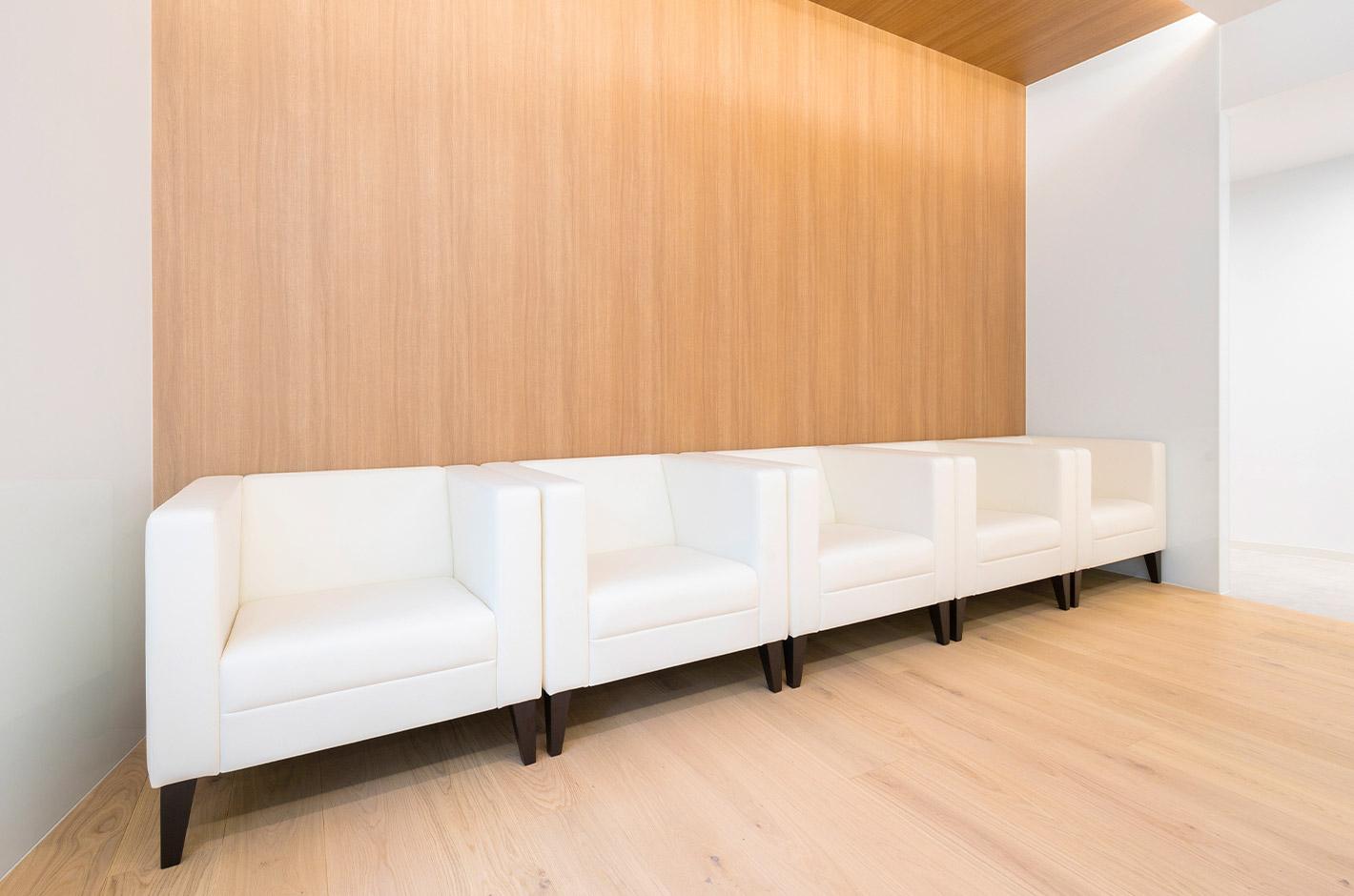 Dクリニック新宿の待合室イメージ